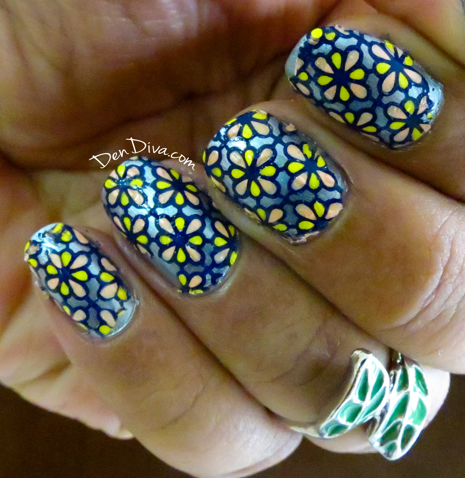 DIY : Make own stamping Nail Decals