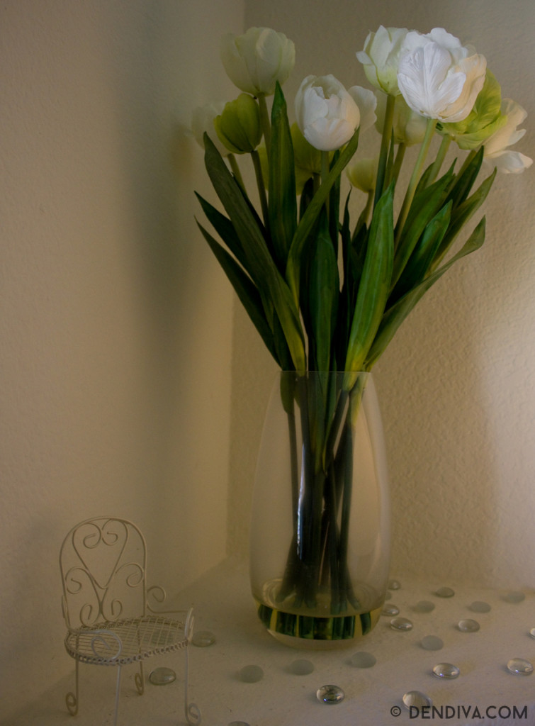 Home decor with real looking silk flowers and plants dendiva for Real plants for home decor